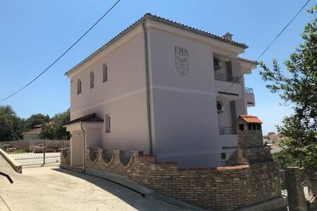 Apartmani Ema Rab 3 STUDIO