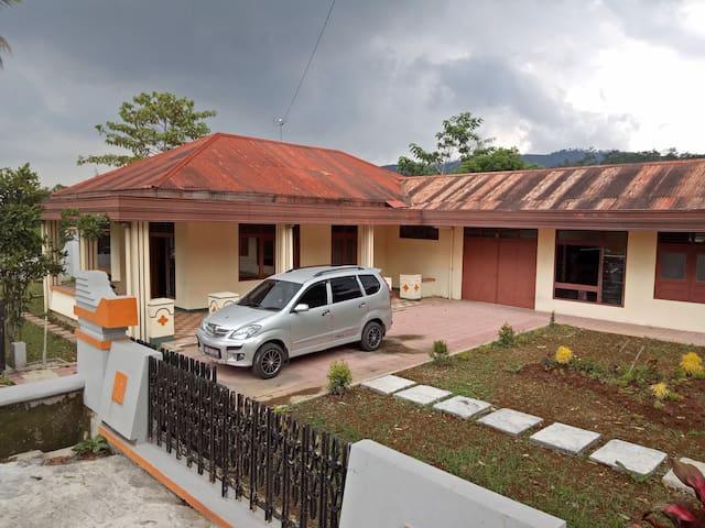 Vila Omah Tentrem