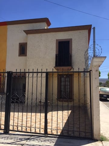 Bonita Casa Independiente
