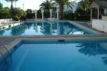 Small cozy flat, by the pool and by the sea... - Tavira - Leilighet