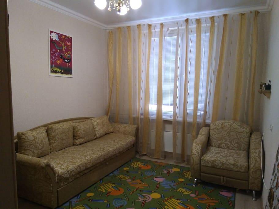 спальня,диван и кресло раскладные