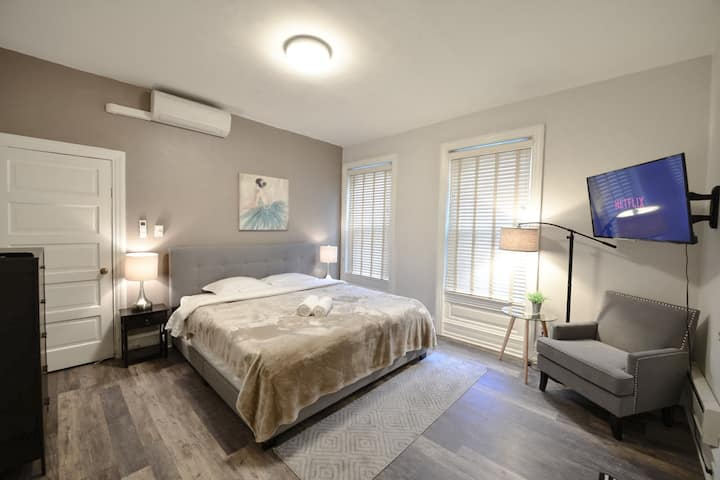 Middle Town-Executive Suites