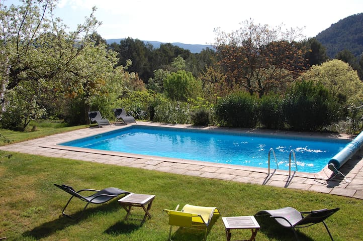 Superb family villa with pool & outstanding views - Salernes - Vila
