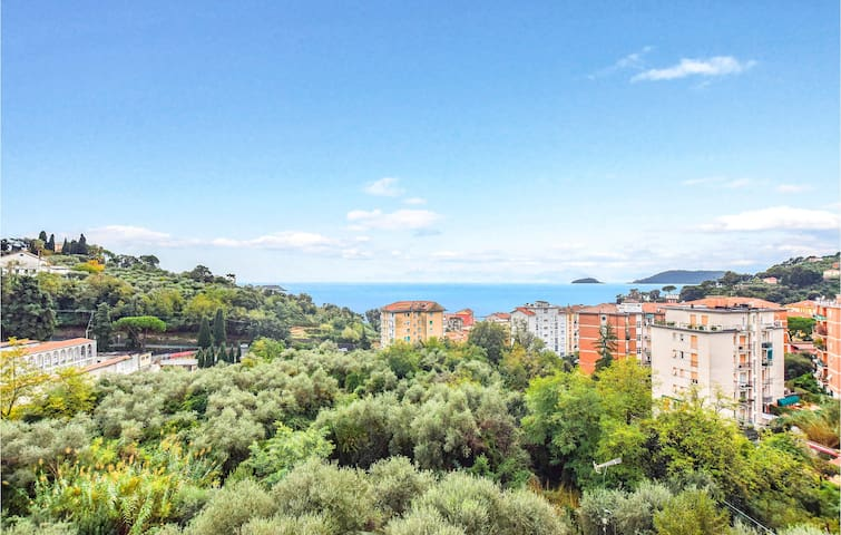 Holiday apartment with 2 bedrooms on 70m² in Lerici