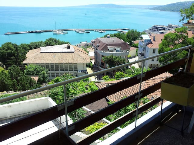 2 bedroom flat with panoramic sea view - Balchik - Appartement