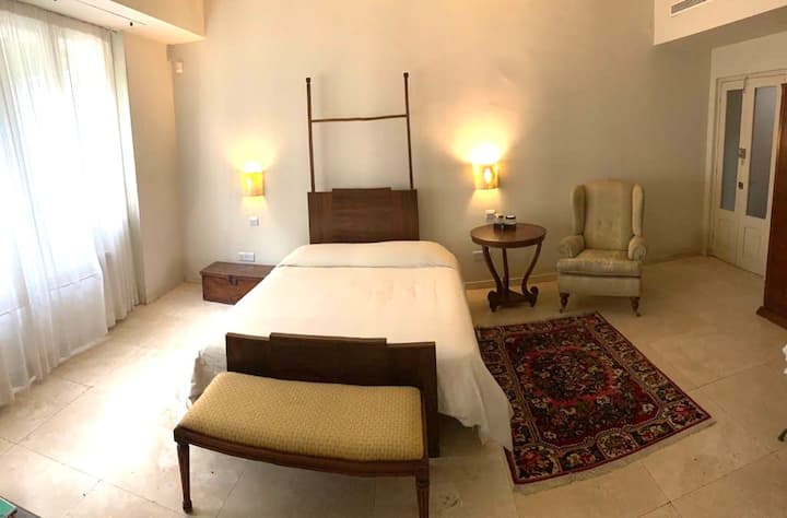 Downtown Nicosia/Unique accommodation/Swimmingpool