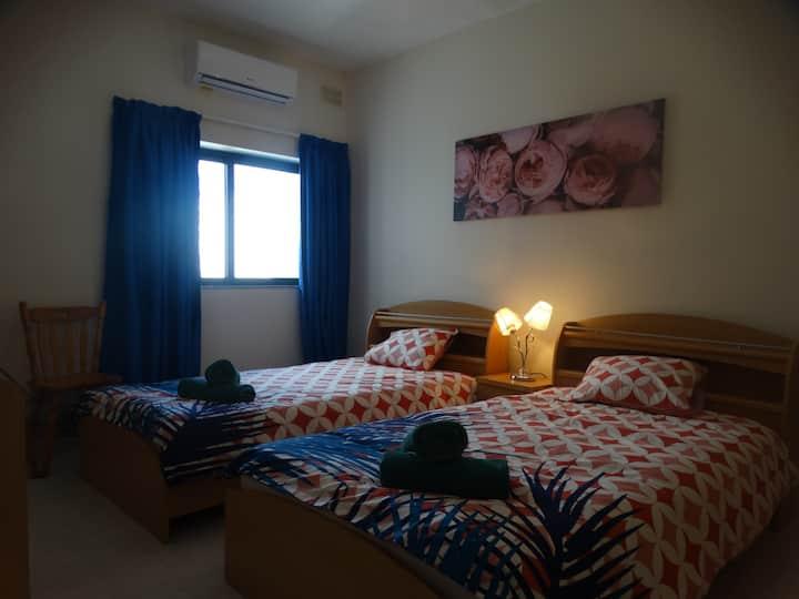 2 Private Room in L-Imgarr Village