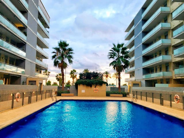 Amazing flat close to the beach and Barcelona