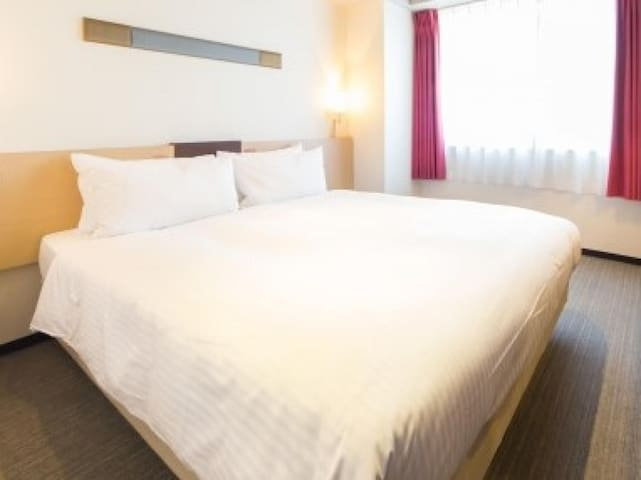 1 min to JR Kyoto Station/Perfect location! Free WiFi/Standard Queen Room【Non-smorking】