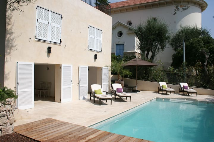LUXURIOUS VILLA WITH A GREAT SEA VIEW, POOL & AC - Beaulieu-sur-Mer - Ev
