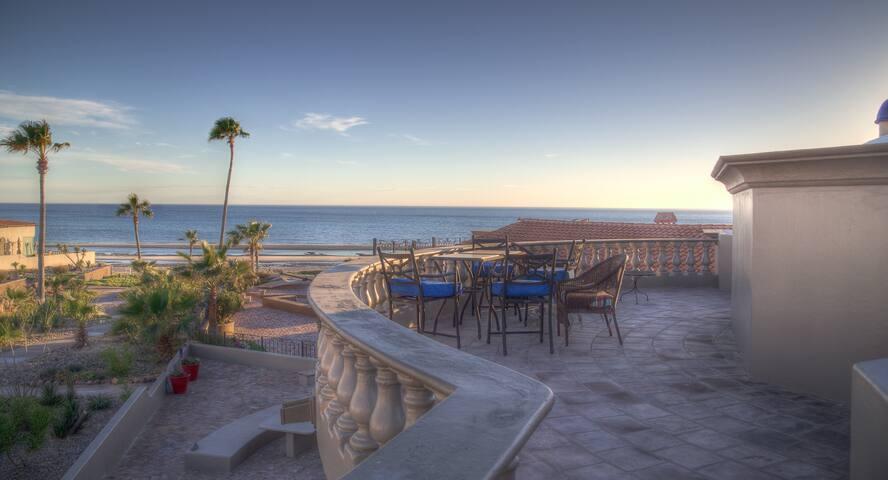 Beautiful Sandy Beach Home - Views! Sleeps 10-12. - Puerto Peñasco - Ev