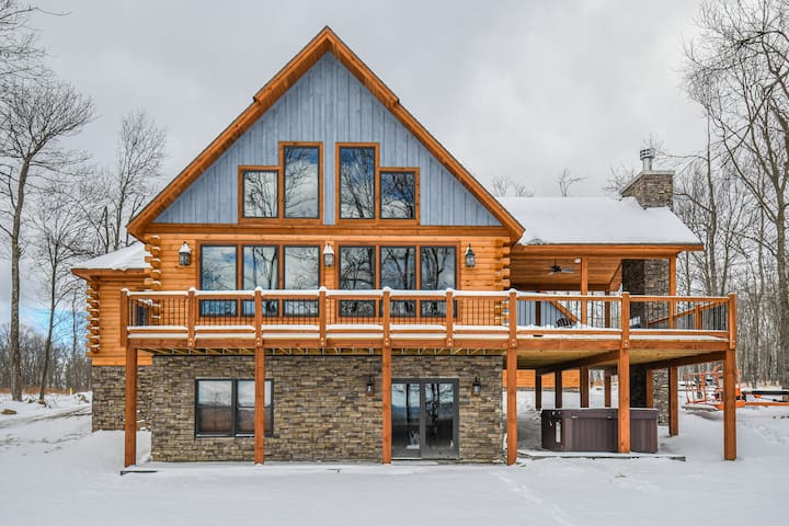 Beau Chateau: Mountaintop Log Home Close to Skiing, Golf & Lake Activities!