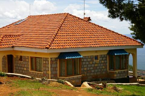 Family House with Rift Valley view and privacy