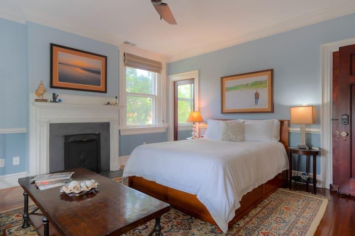 The Atlantic Room at Bent Oaks Manor