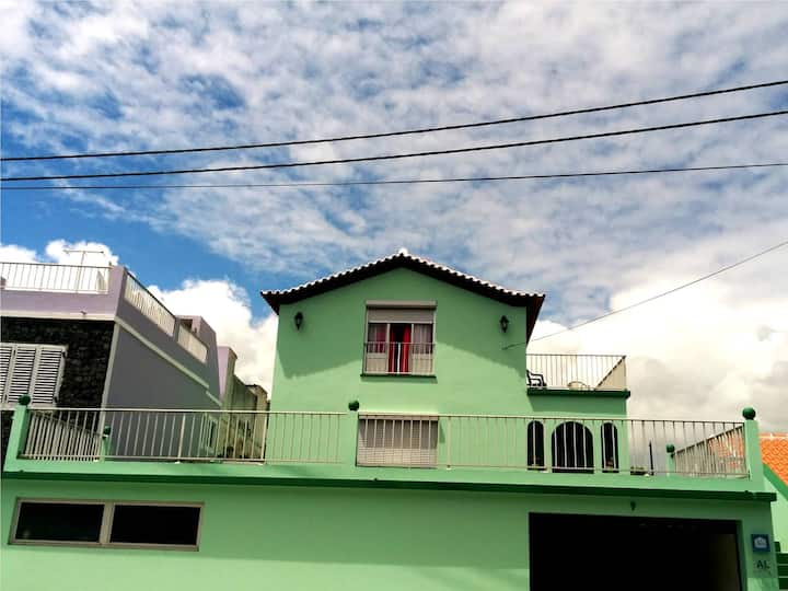 Nandes Place - Local Lodging