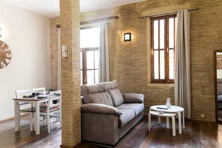 BEAUTIFUL LOFT IN OLD TOWN (4PAX).