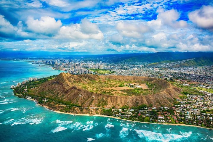 Aloha Hale - Exquisite Ocean Views