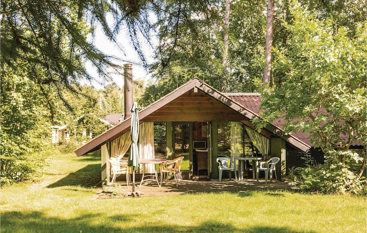 Holiday cottage with 2 bedrooms on 56 m² F3369