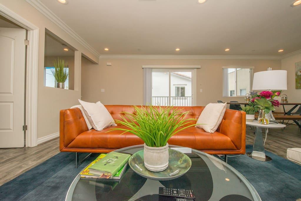Living room - comfortable and stylish furnishings