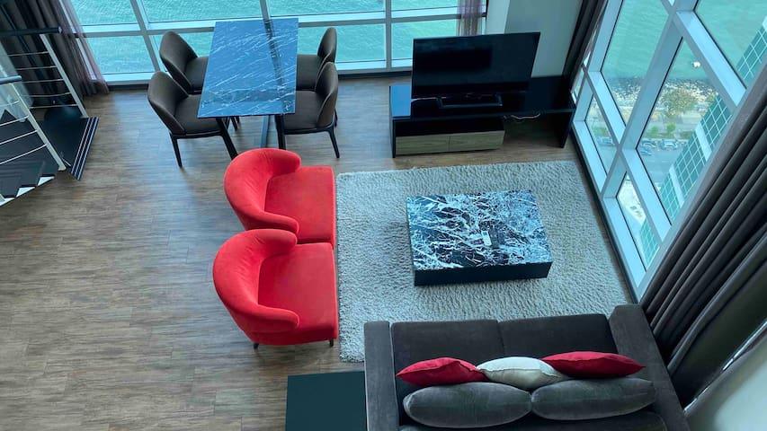 I.IX Charming Seaview Duplex at Georgetown
