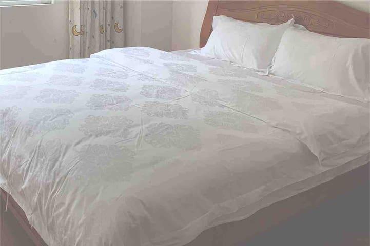 干净清爽纯棉被套床单,大床宽松舒适