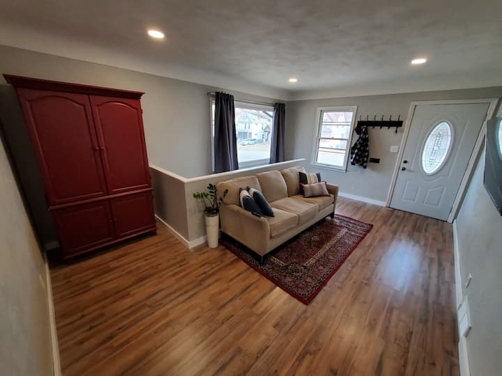 3Bed 2Bath - 5 Minutes From Downtown St Paul!