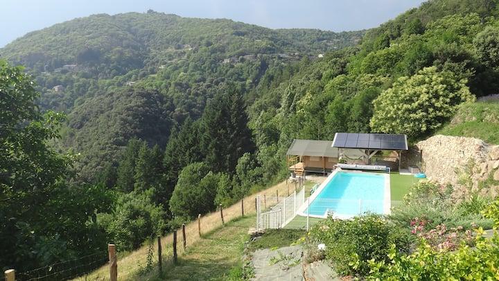 Tente Lodge insolite au coeur des Monts d'Ardèche