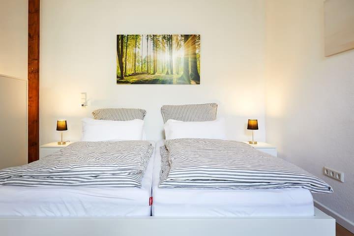 Doppelbett (200x180 cm)