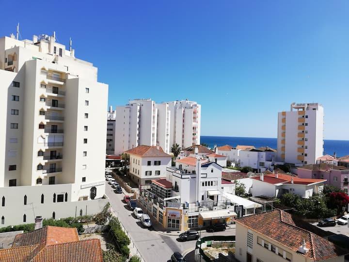 Apartamento T1, vista mar, estacionamento e wi-fi