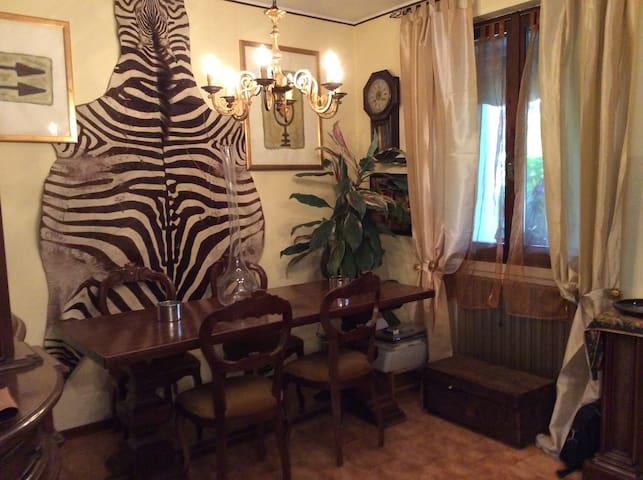 Casa  per soggiorno culturale e gastronomico - Adro - Radhus