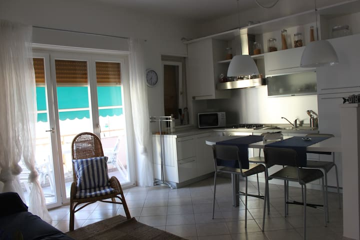 Nice flat nearby the sea - Rapallo - Apartemen