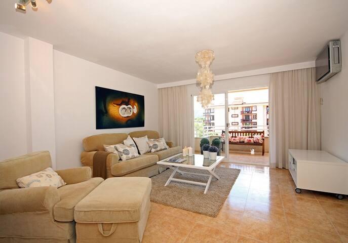 CENTRICO, AMPLIO Y MODERNO PISO - Pollença - Apartment