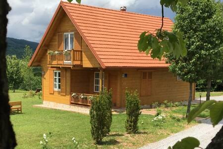 Holiday home Vita Natura - Rakovica - Dům