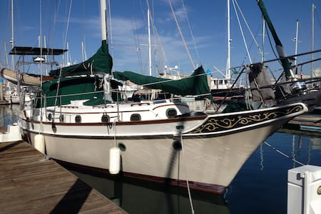 Lovely classic 44' sailboat in Mission Bay - San Diego