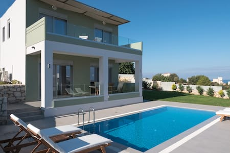 Splendid 2 Bedroom Villa with Private Pool-Chania - Kounoupidiana - Casa de campo