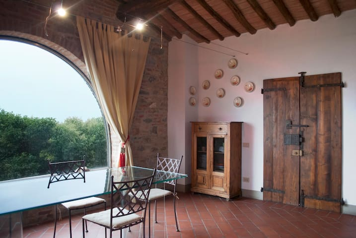 Old, beautiful Tuscan country house - Terricciola - Apartment
