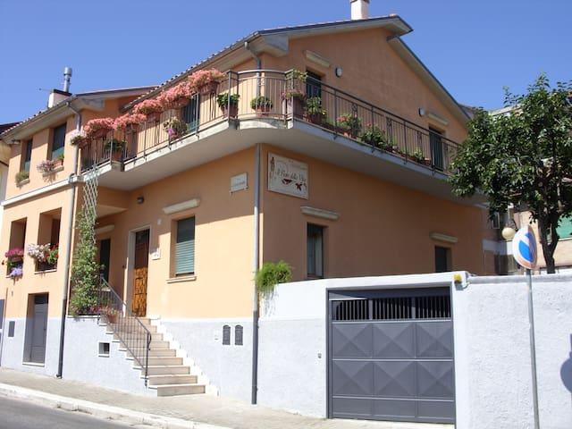 Il Fiore Della Vita B&B (€ 50 a coppia-Cam.Doppia) - Melfi - Apartemen