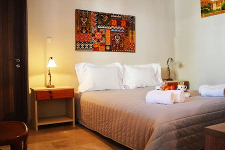 Guesthouse for 2 persons in Myrtia, Heraklion