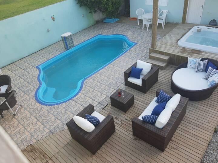 Casa com piscina e ofurô - aluguel temporada