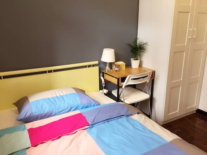 Cosy specious  room near border福田中心区舒适的家 2