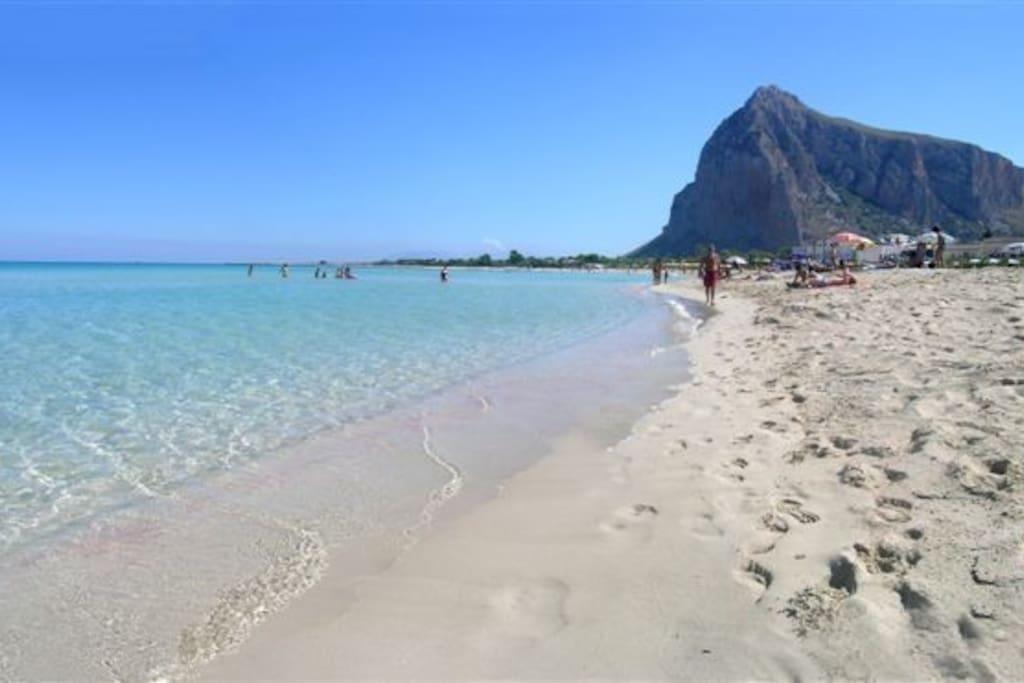 La selvaggia spiaggia di Cala Violina
