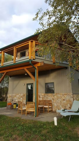 Modern firetower chalet with majestic views - Bloomsburg