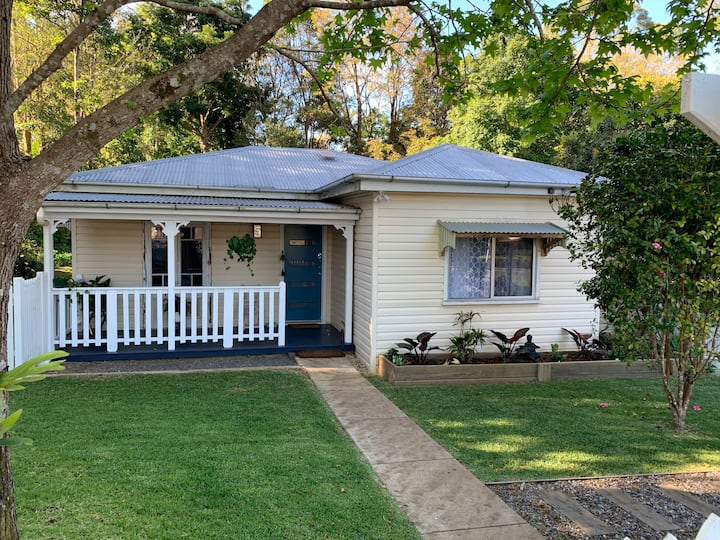 Cottage in the heart of Maleny ❤️