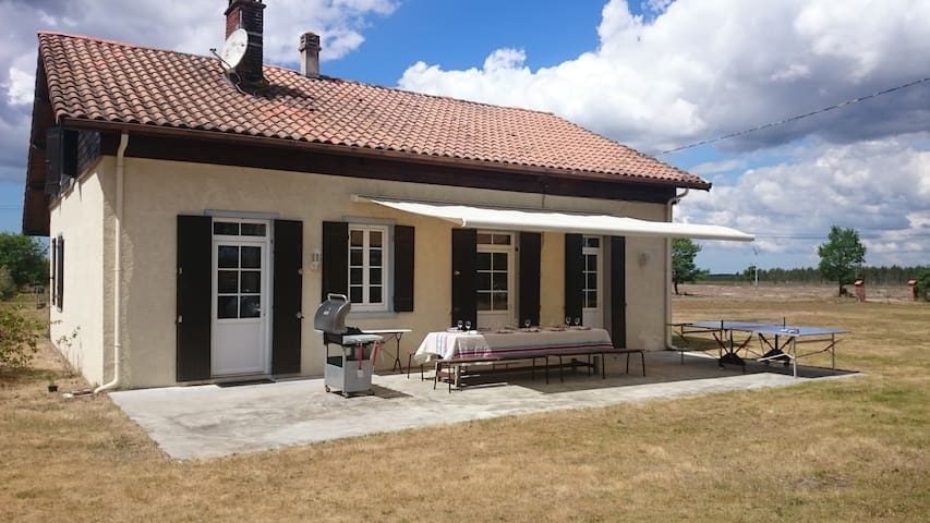 Rental house 8/10 people at 15min from Mimizan - Escource - Huis