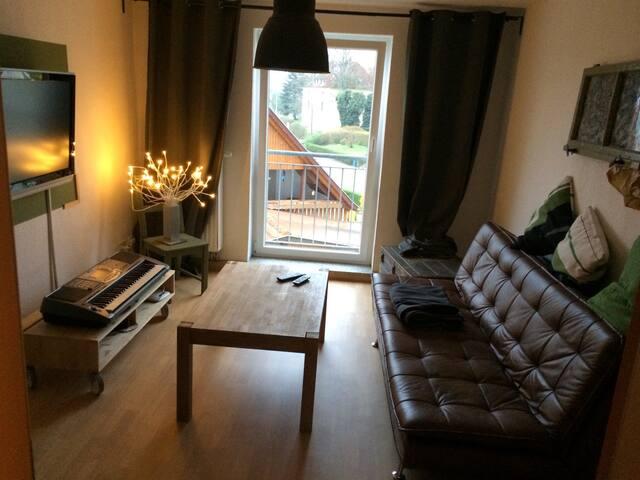 gemütliche 2 Raumwohnung - Jena - Lejlighed
