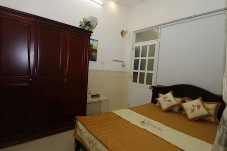 ThànhĐạt2 Hostel-Private room,2 minutes to beach