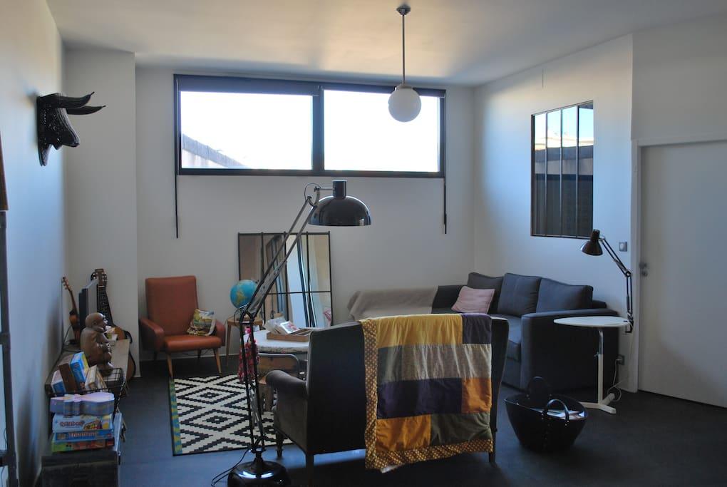 Appartement type loft lofts louer millau languedoc for Appartement type loft