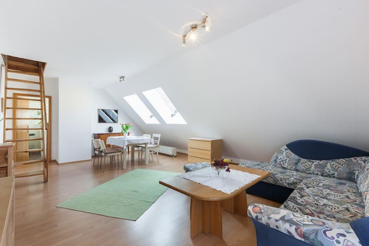 Quiet&Cozy 70sqm, 2 bedroom apartment near airport - Berlín - Byt
