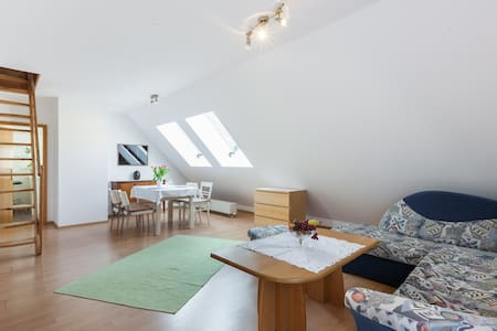 Quiet&Cozy 70sqm, 2 bedroom apartment near airport - Berlin