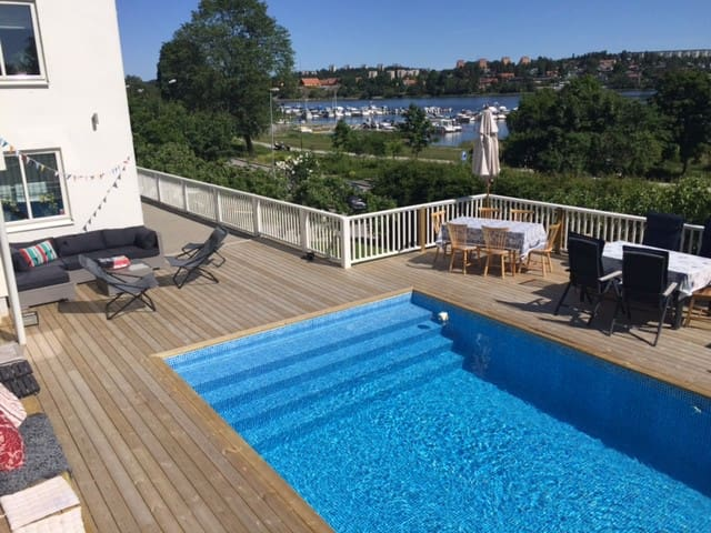 Pool and seaview in Stockholm!